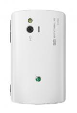 イー・モバイルが28日より発売する国内最小・最軽量のスマートフォン『Sony Ericsson mini』(ソニー・エリクソン)ホワイト背面