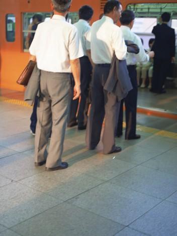 老若男女が一堂に会する電車内では、日々実にさまざまな出来事が起こっている