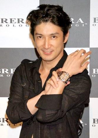 イタリアの時計ブランド『ブレラ オロロジ』日本上陸記念パーティーに来場した西島千博 (C)ORICON DD inc.