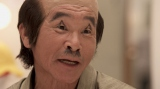 "NTT西日本『光もっと割引』のCMに""寛平爺さん""として出演する間寛平"