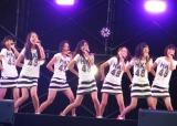 西武ドームのステージで「スカート、ひらり」を披露したHKT48第1期生メンバー (C)ORICON DD inc.