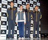 (左から)EXILEのTETSUYA、武井咲、USA、MATSU (C)ORICON DD inc.