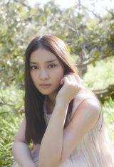 武井咲が18歳の誕生日にCDデビュー記念イベント開催
