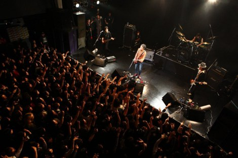 渋谷O-WESTで行われたライブの模様[撮影:平沼久奈]