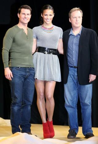 映画シリーズ最新作『ミッション:インポッシブル/ゴースト・プロトコル』のプロモーションで来日した(左から)トム・クルーズ、ポーラ・パットン、ブラッド・バード監督 (C)ORICON DD inc.