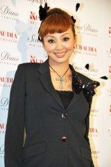 自身のウエディングドレスブランド『シェーナ・ドゥーノ』スペシャルショーに出席した神田うの 第1子女児を出産後初の公の場登場となった (C)ORICON DD inc.