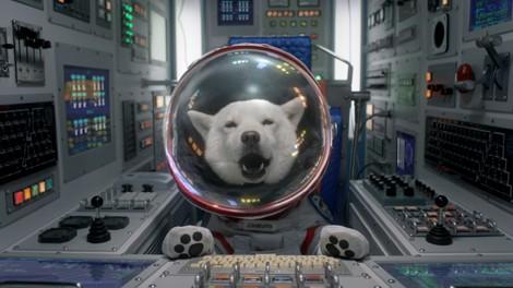 【収録カット】特注の衣装で、宇宙飛行士さながら操縦席に座るお父さん(「打ち上げ」篇)