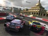iPadやiPod touch 、iPhoneなどのiOSデバイスを使い最大4台まで対戦できる『Real Racing 2 HD』