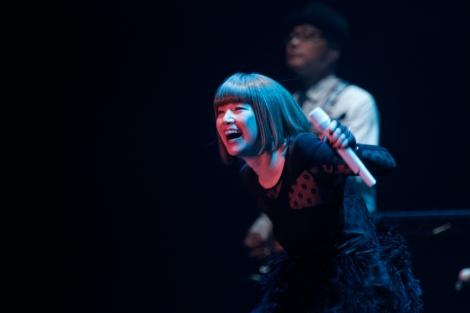 公演中に来年5月6日、東京ドームでのライブ開催を発表