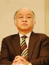 裁断された本を「正視できない」と語る浅田次郎氏 (C)ORICON DD.inc