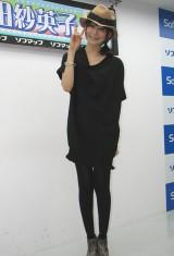 イベント後、記者からのインタビューを受ける石田。 (C)ORICON DD inc.