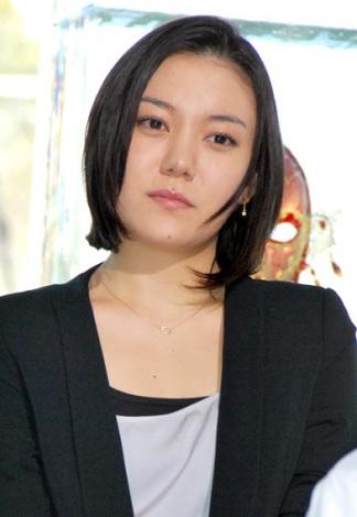 髪のアクセサリーが素敵な鈴木杏さん