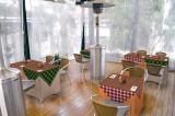 """『えひめカフェ』プロジェクトの旗艦店「dining cafe HOME」、""""みかん×こたつ""""をイメージしたテラス席"""