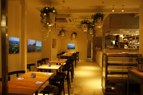 """『えひめカフェ』プロジェクトの旗艦店「dining cafe HOME」、""""店舗内観イメージ"""