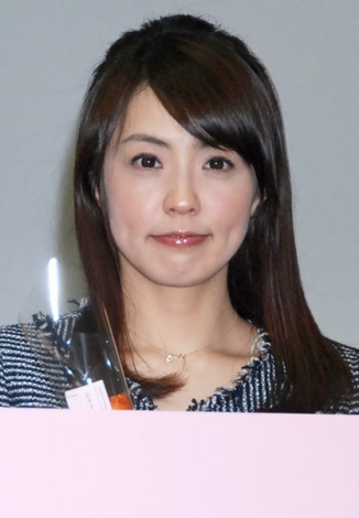 http://contents.oricon.co.jp/upimg/news/20120118/2005891_201201180937492001326864703c.jpg