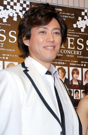 ミュージカル『CHESS in concert』の公開ゲネプロ後に報道陣の取材に応じた石井一孝 (C)ORICON DD inc.