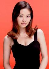 正式に結婚を発表した吉野紗香