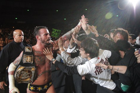 CMパンク=昨年の横浜アリーナ公演の模様 (C)2012 WWE, Inc.  All Rights Reserved.