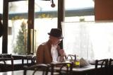 """リチャード・ギアが""""寅さん""""を好演する、サントリー食品の果汁入り炭酸飲料『オランジーナ』新CM「カフェ」篇より"""