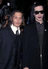 ジョニー・デップ(左)がマリリン・マンソンの新作でギター&ドラムを演奏 (C)Ron Galella, Ltd.  Getty Images