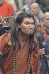 NHK大河ドラマ『平清盛』の弁慶は青木崇高(C)NHK