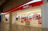 14日にオープンした『Coca-Cola Store(コカ・コーラ ストア)』