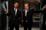 10年ぶりに2人そろっての来日が決定したトミー・リー・ジョーンズとウィル・スミス(左)/Photo by WILSON WEBB -(C)2011 Columbia Pictures Industries, Inc. All rights reserved.