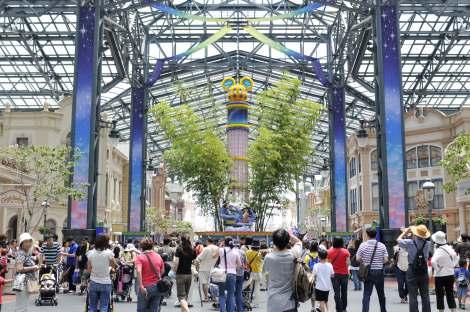 東京ディズニーランド恒例の『七夕プログラム』(C)Disney