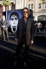 L.A.でのプレミア上映に登場したジョニー・デップ
