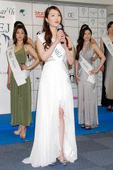 『2012ミス・アース』の日本代表ファイナリストに選ばれた阿部桃子さん (C)ORICON DD inc.