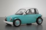 トヨタ自動車が『東京おもちゃショー2012』に出展した、子どもも運転できる電気自動車タイプのコンセプトカー『Camatte(カマッテ)』(写真は「そら」)