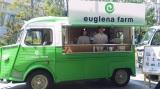 車の燃料にはミドリムシの油が入ったバイオ燃料『ユーグレナバイオオイル』を使用。移動カフェ「ユーグレナ・ファーム」 (C)ORICON DD inc.