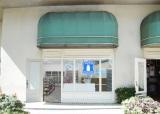 7月7日にオープンする「ローソン ステーション シェラトンワイキキ店」外観イメージ