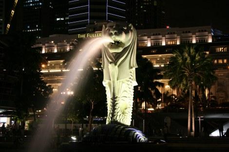 40歳の誕生日パーティーに向けてお色直しを行っている、シンガポールのシンボル・マーライオン