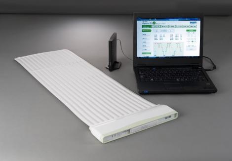 10月上旬より販売を開始するネット対応型の睡眠計