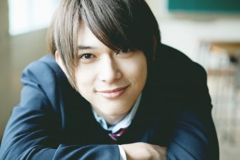 若手俳優・吉沢亮が1st写真集『はじまり。』(ワニブックス