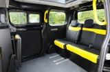 『NV200ロンドンタクシー』の内装〜後部座席は3人乗車可能