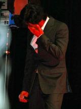 映画『踊る大捜査線 THE FINAL 新たなる希望』の完成披露試写上映後の舞台あいさつで堪えきれず涙を流した織田裕二 (C)ORICON DD inc.