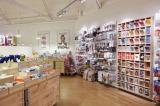 デンマーク発の低価格雑貨チェーン店「タイガー・コペンハーゲン」店内の様子