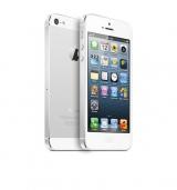 『iPhone5』の背面はアルミパネルを採用したツートンカラーになっている(写真はホワイト&シルバー)
