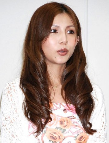 http://contents.oricon.co.jp/upimg/news/20120919/2016925_201209190357021001348045889c.jpg