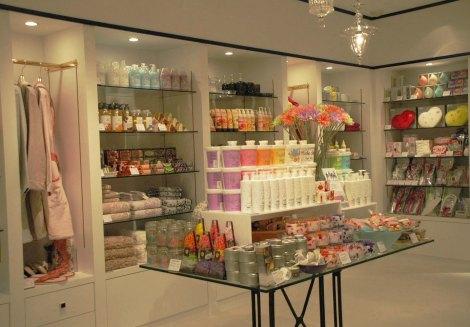 渋谷パルコにオープンした「Francfranc La Boutique」、店内の様子