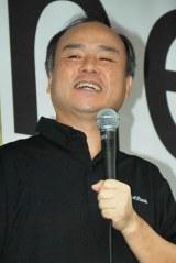 ソフトバンク銀座店で行われた『iPhone 5』発売開始記念セレモニーに登場した孫正義社長 (C)ORICON DD inc.