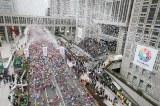 『東京マラソン2012』(2012年2月26日開催)スタート時の様子 (C)東京マラソン財団