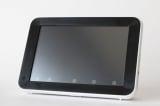 『進研ゼミ』中一講座に導入するタブレットPC。画面の大きさや脱着可能なスタンドなどに独自のデザインを取り入れている