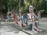 「世界の奇妙な博物館 18選」に選ばれたタイの『地獄の庭』