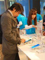 NTTドコモ「GALAXY Note II SC-02E」(11月16日発売)の展示会の様子 (C)ORICON DD inc.