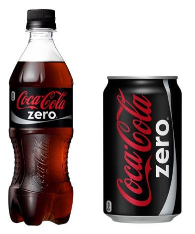 『コカ・コーラ ゼロ』左/500mlPET・147円、右/350ml缶・120円