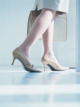 40〜50代女性のみなさん、最近5cm以上のヒールがある靴を履いていますか?