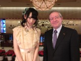 インタビューが実現したAKB48の松井咲子と世界的指揮者シルヴァン・カンブルラン氏